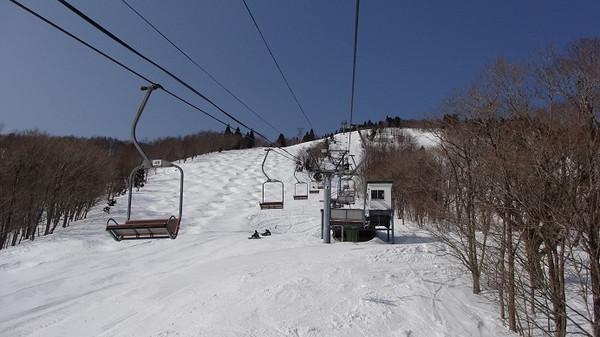 スキー 場 羅漢 山 恐